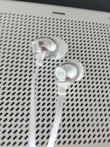 美国外贸尾单 入耳金属面条带麦DIY耳机 三星 苹果通用